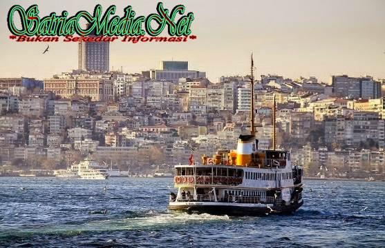 Kapal Fery Di Istanbul