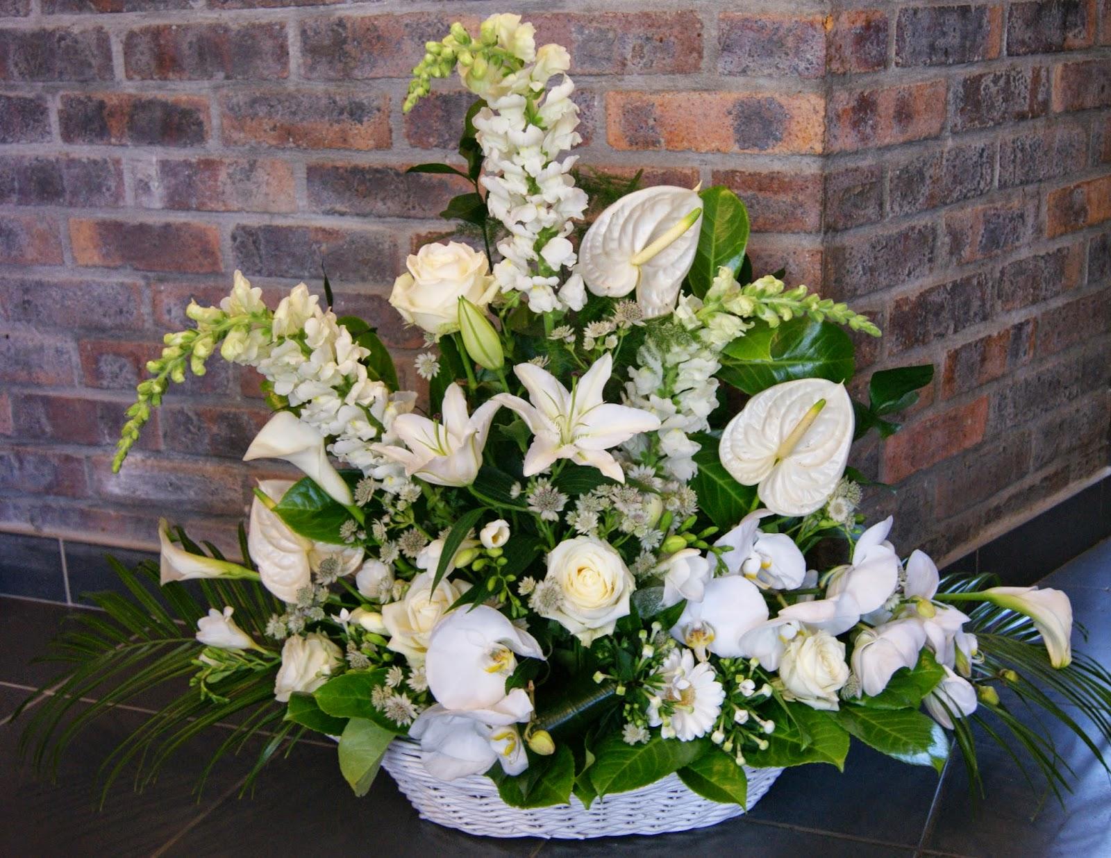 des magnolias sur ma voie lact e composition florale mariage en blanc. Black Bedroom Furniture Sets. Home Design Ideas