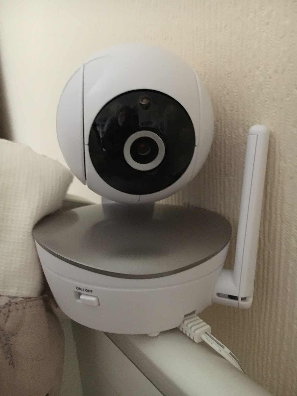 Kizzy Hearts: Motorola MBP49 Baby Monitor Review