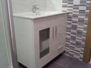 Instalación accesorios baño