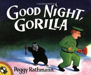 En Good night, gorilla, un guarda de seguridad va dando las noches a todos los animales del zoo, acompañado de un gorila.