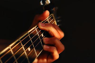 9 Bước cơ bản để tập luyện đàn Guitar