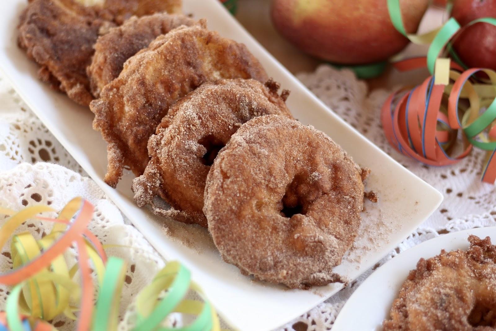 Apfelküchlein mit Vanilleeis - Kölle Alaaf mit Zucker und Zimt