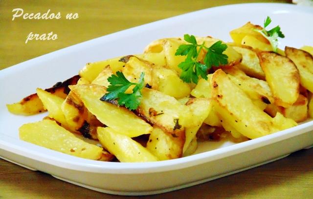Como fazer batatas salteadas e assadas