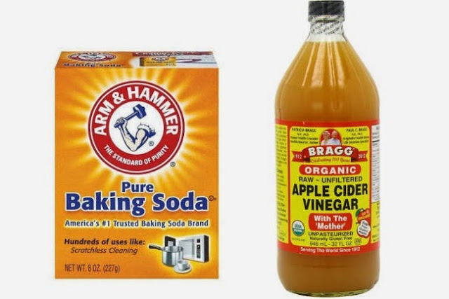 Apply Apple Cider Vinegar and Baking Soda Mask on Your Face Everyday and Witness What Will Happen: Stains and Acne Will Disappear Just Like A Magic!