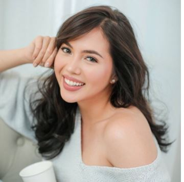 Dimples Romana Revealed That Angel Locsin Visits Her Home At Midnight