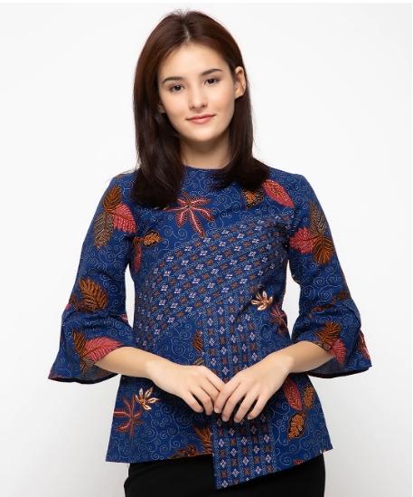 Contoh Baju Batik Atasan Wanita Untuk Bekerja di Kantor