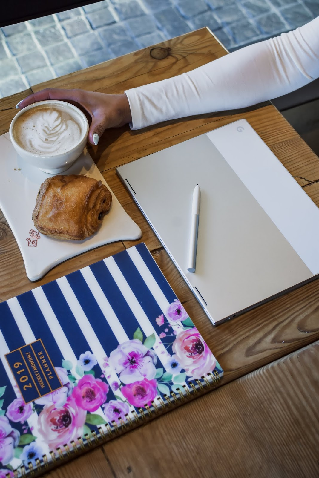 google pixelbook for bloggers, chromebook review, fashion blog, Dc blogger, saumya shiohare, best laptop for kids, myriad musings
