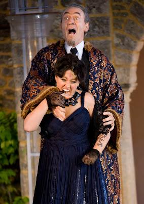 Vivaldi: L'incoronazione di Dario - Sophie Bevan, Russell Smythe - Garsington Opera 2008 (Photo Johan Persson)