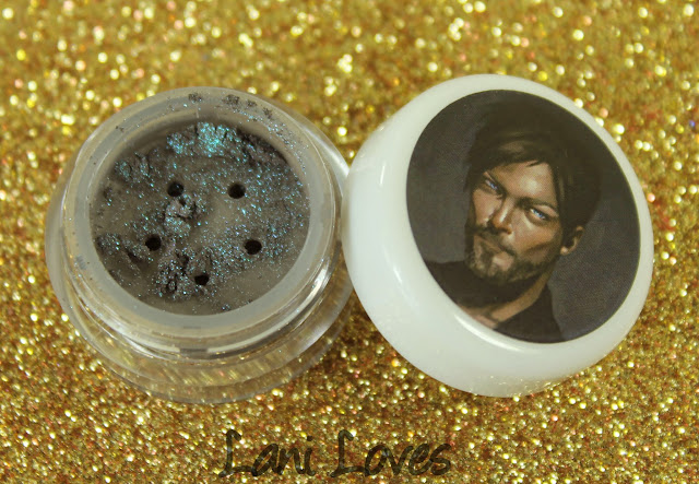Darling Girl Cosmetics Eyeshadow - Still Fangirling Swatches & Review