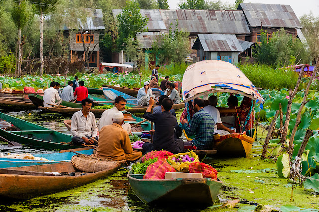 5-floating-market-of-Srinagar
