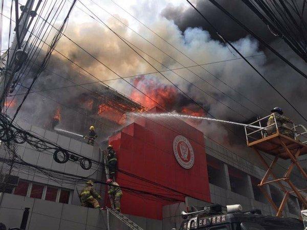 Huge fire destroys 3 UE-Manila buildings