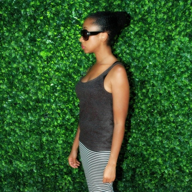 http://thelovechannelwithtyswint.blogspot.com/2016/07/summer-stripes-sunnies-and-tank.html