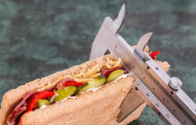 Calcolare grammi e calorie per dimagrire