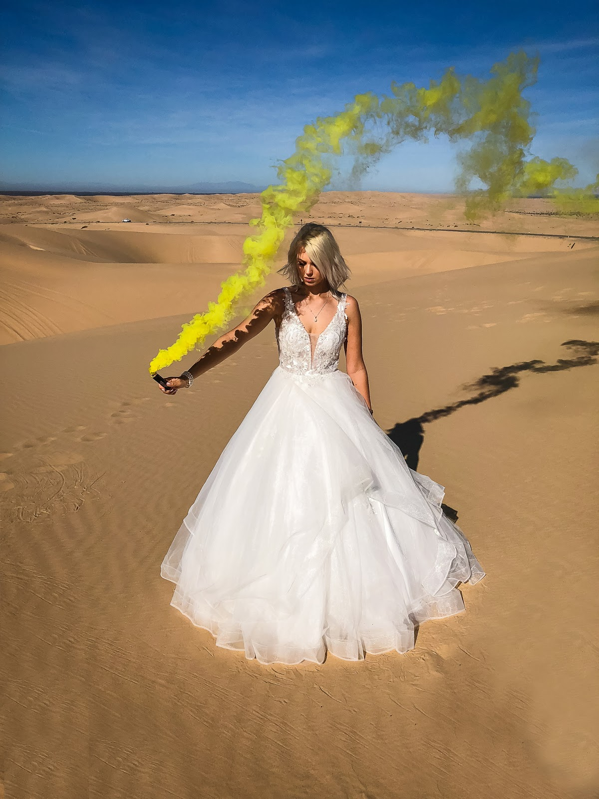 wedding smoke bomb photoshoot