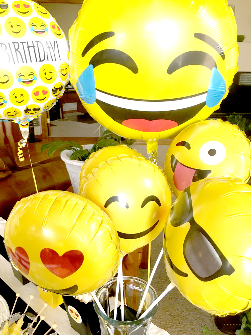 Emoji Themed Birthday Party Pretty My Party Party Ideas