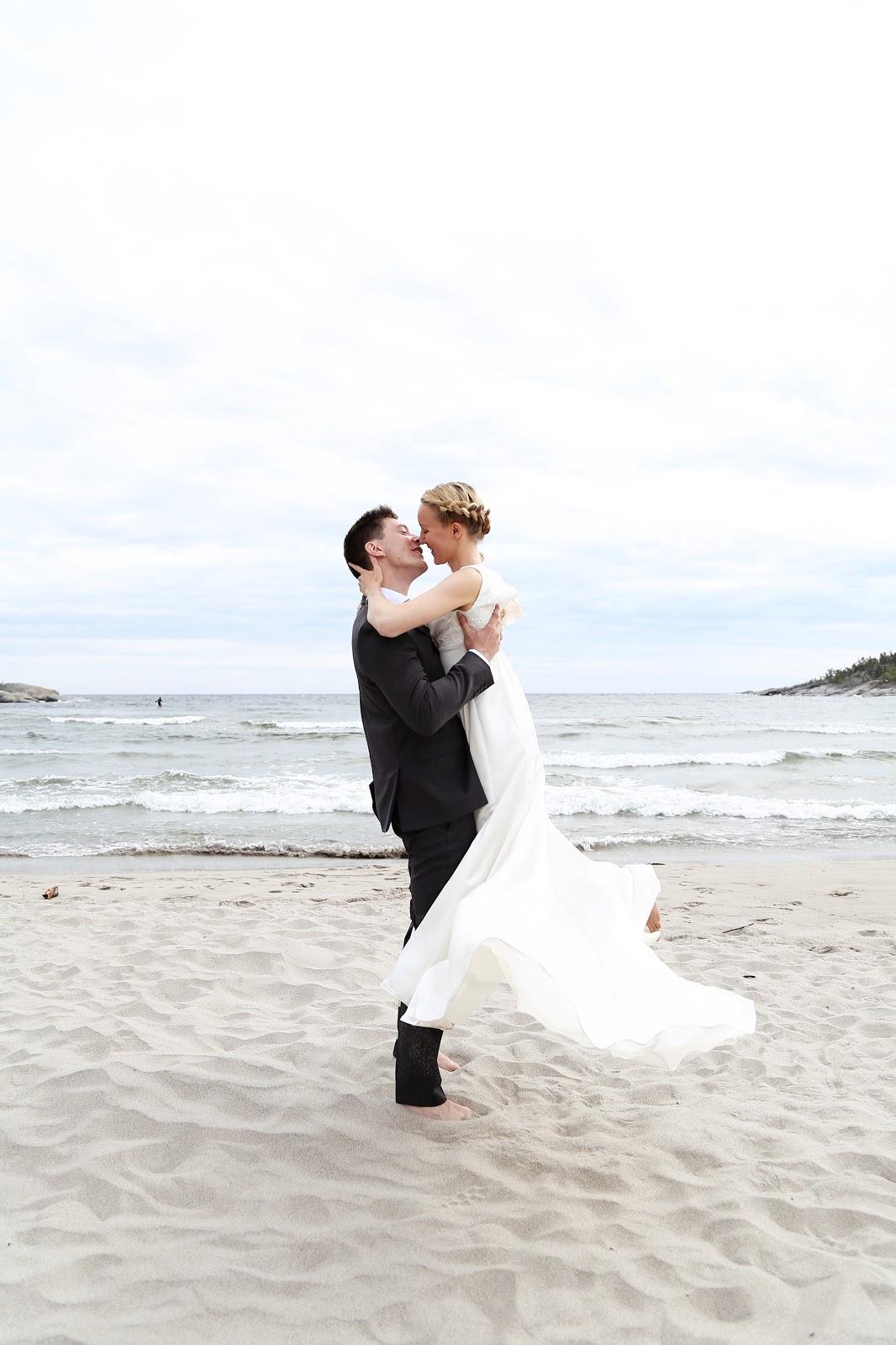 beach wedding, Härnösand, Smitingen, surfer, bröllopsfotograf Stockholm, fotograf Härnösand, fotograf Höga kusten, wedding photography, bröllop, fotograf Maria-Thérèse Sommar