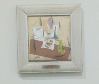Pablo Picasso, Compotier, grappe de raisin, poire coupée