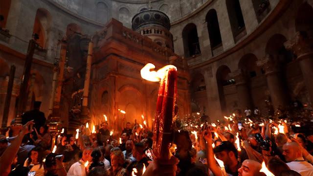 Άγιο Φως: «Μπάχαλο» με την μεταφορά του από τα Ιεροσόλυμα - Έντονο παρασκήνιο