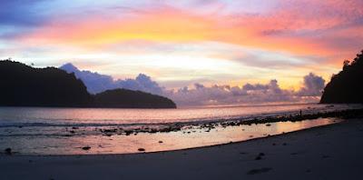 sunset pantai sipelot malang
