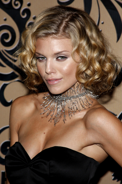 Anotherallergymom Annalynne Mccord Pin Curls Hairstyle