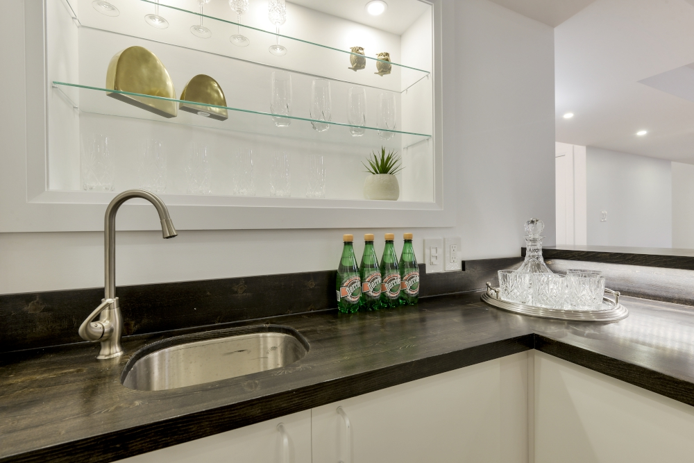 custom wet bar in basement