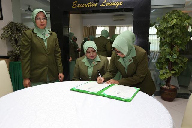 Ketua Persit KCK Gabungan Kostrad Pimpin Sertijab Ketua Persit KCK Cabang II Sops PG Kostrad