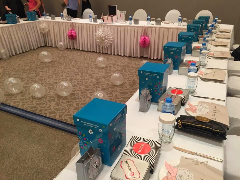 Bursalı bloggerlar Hilton bulusma solonu