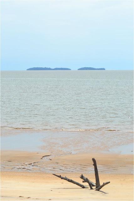 Guyane, Kourou, plage, roches