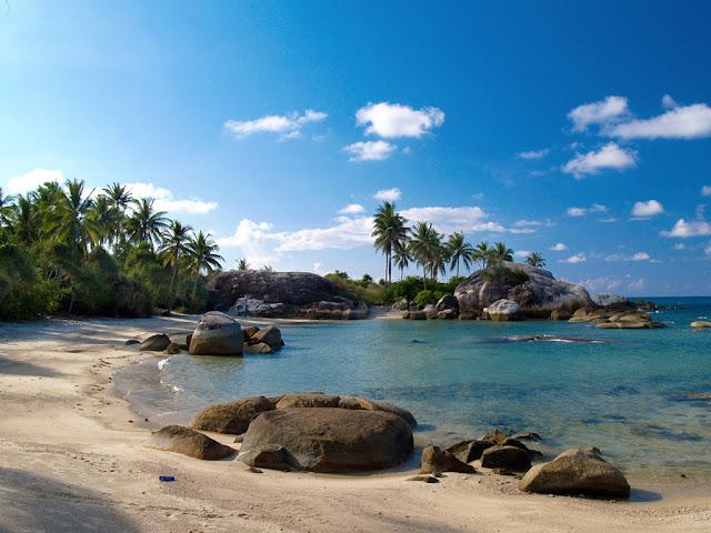 Objek wisata Pantai Parai Tenggiri Bangka Belitung 5