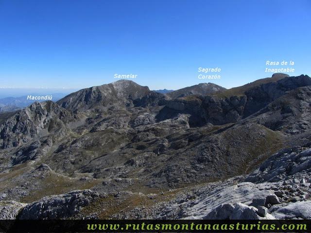 Ruta Jito Escarandi Cueto Tejao: Vista del Macondiú, Samelar y Sagrado Corazón desde Cueto Tejao