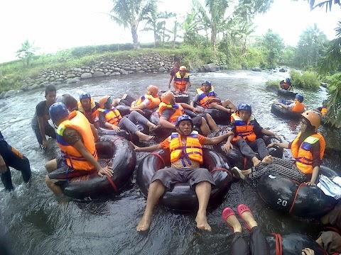 Serunya Bermain River Tubing di GJ Kebanggan Pemalang