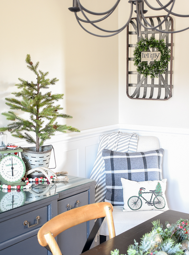 Christmas home tour, christmas, modern farmhouse, holiday home , Classic christmas, Christmas tree,