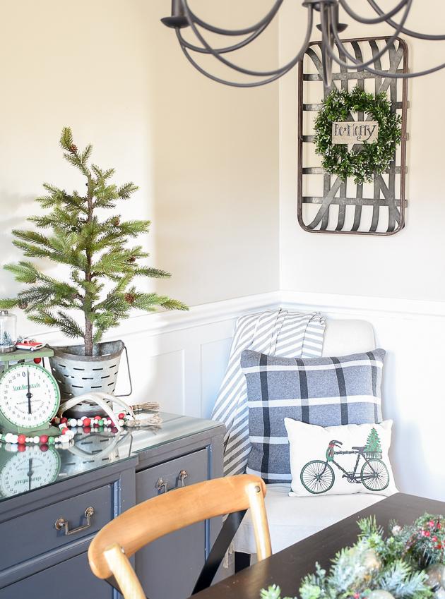 Christmas home tour, christmas, modern farmhouse, holiday home , Classic christmas, Christmas tree,