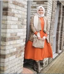 Fashion Wanita Gemuk Berjilbab