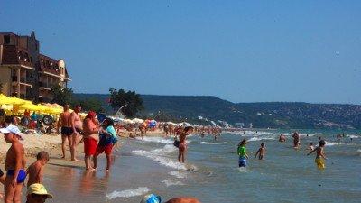 'Дикий пляж', бесплатный пляж на Черном море - малые ('частные') отели, 'частный сектор', кемпинги. А также - в разделе спа и курорты. В общем, размещение отдыхающих, туристов.