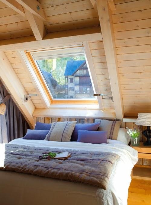 Slow life w górskim klimacie - wystrój wnętrz, wnętrza, urządzanie domu, dekoracje wnętrz, aranżacja wnętrz, inspiracje wnętrz,interior design , dom i wnętrze, aranżacja mieszkania, modne wnętrza, drewniany dom, górska chata, mieszkanie na poddaszu, poddasze, sypialnia