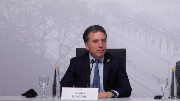 Anunciarán nuevo paquete económico en Argentina este lunes