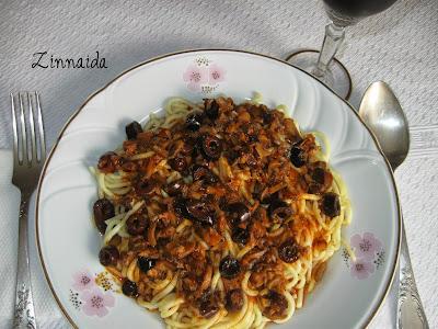 spaghete-cu-masline-si-ciuperci