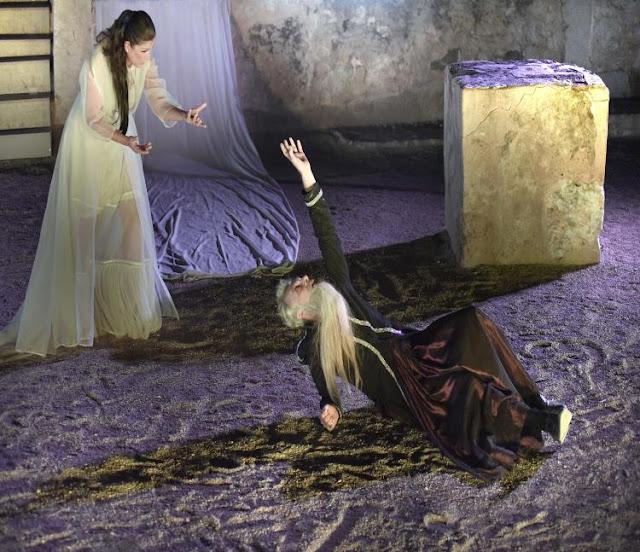 Τελευταία παράσταση σήμερα για τις «Δαναΐδες» του Ανδρέα Κάλβου στο Μικρό Θέατρο Επιδαύρου