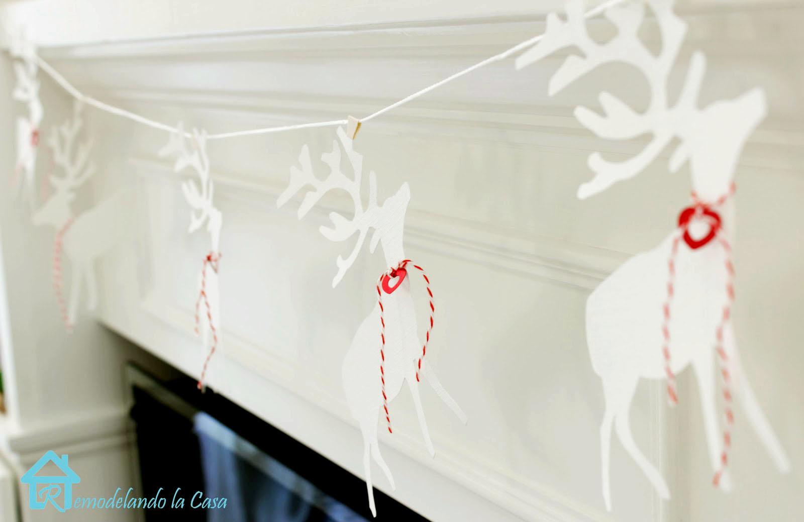 diy reindeer garland to decorate mantel during Valentines