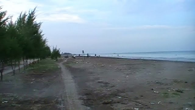 Wisata Pantai Blendung Pemalang