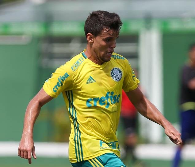 Volante de 22 anos nunca conseguiu ter espaço no Palmeiras (Foto: Cesar Grecco/Palmeiras)