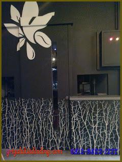 Mural Lukis Dinding Cafe Rumput Akar