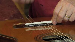 нижний порожек гитары