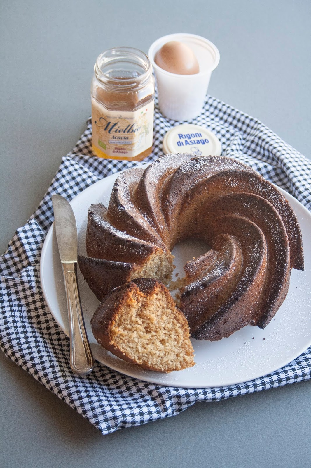 Ciambella al miele e yogurt senza burro