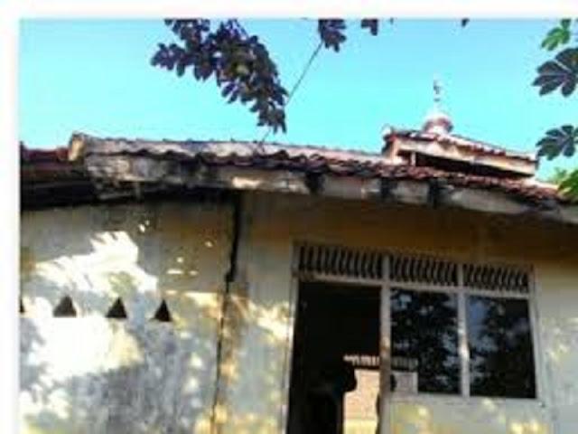 Gambar Misteri Hantu Tanpa Wajah Di Mushola