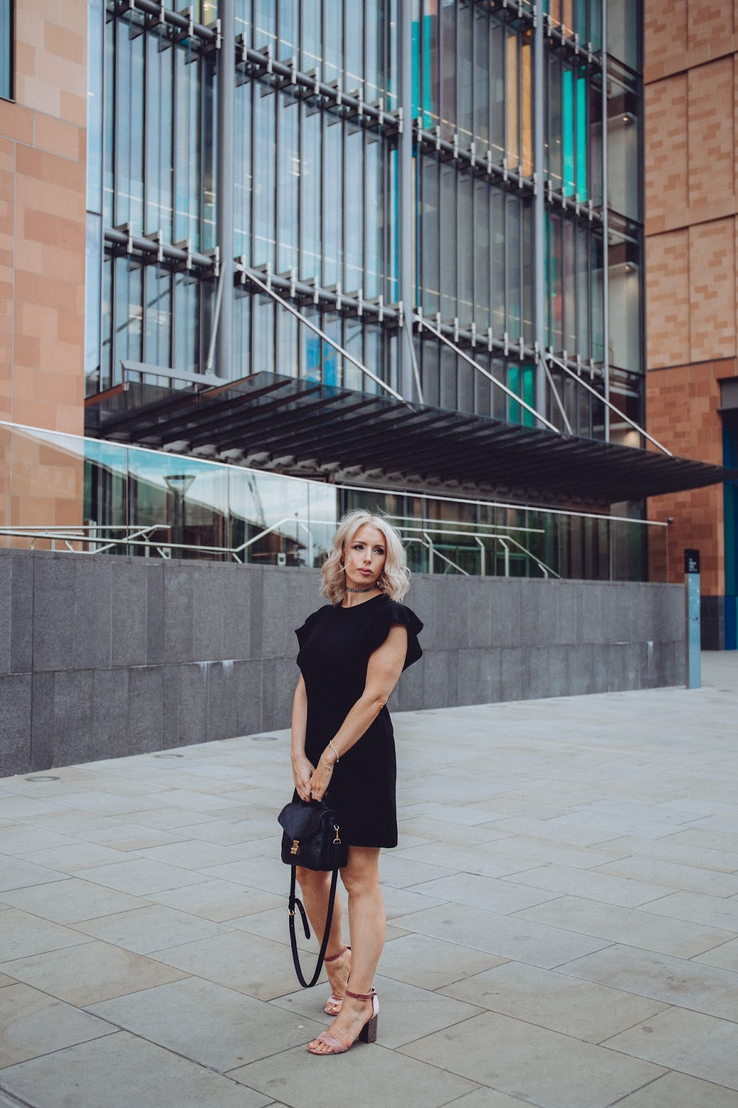 Fashion blogger in London, black Zara dress and LV pochette metis