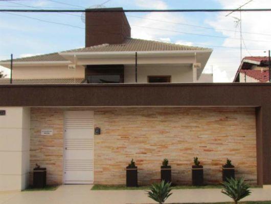 Muros e grades residenciais 25 inspira es modernas for Que planta para muro exterior vegetal