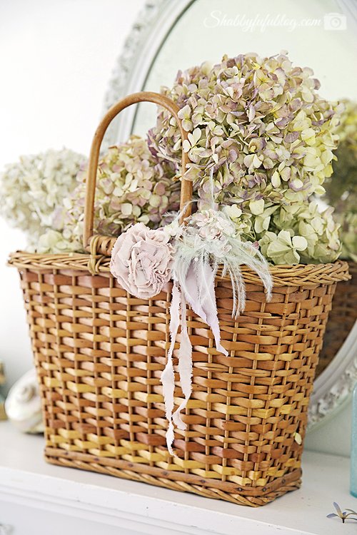 This vintage wicker basket with Peonies and ribbon makes for the cutest floral peony wreath.